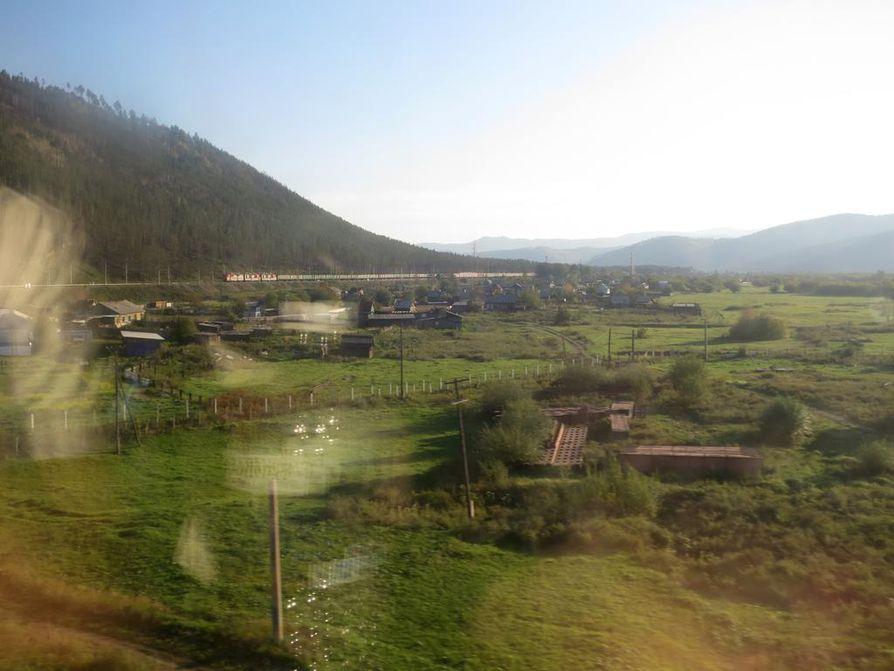 Trans-Siperian radalla körötellään noin 60 kilometrin keskituntinopeudella.