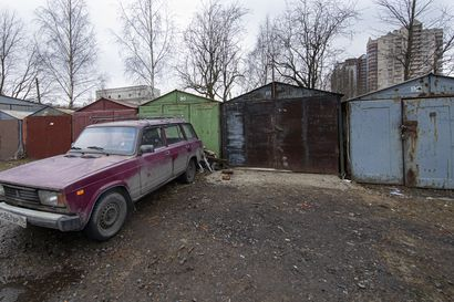 Venäläismiesten mielenmaisema kuvastuu vanhoissa autotalleissa kaupungin laidalla – niissä voi jupista elämän vääryyksistä suojassa vaimoilta ja maailmalta