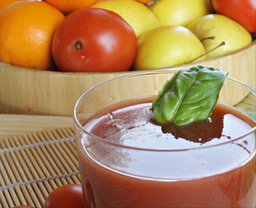 Hedelmiä jää helposti syömättä. Niistä voi tehdä nopeasti esimerkiksi smoothieita.