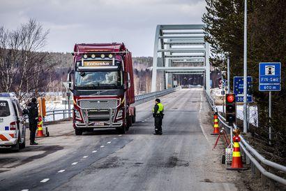Rajaliikenne Ruotsin rajalla huomattavasti vähäisempää kuin viime vuonna – Tornion kautta ylittäjät eivät näy Lapin rajavartioston luvuissa