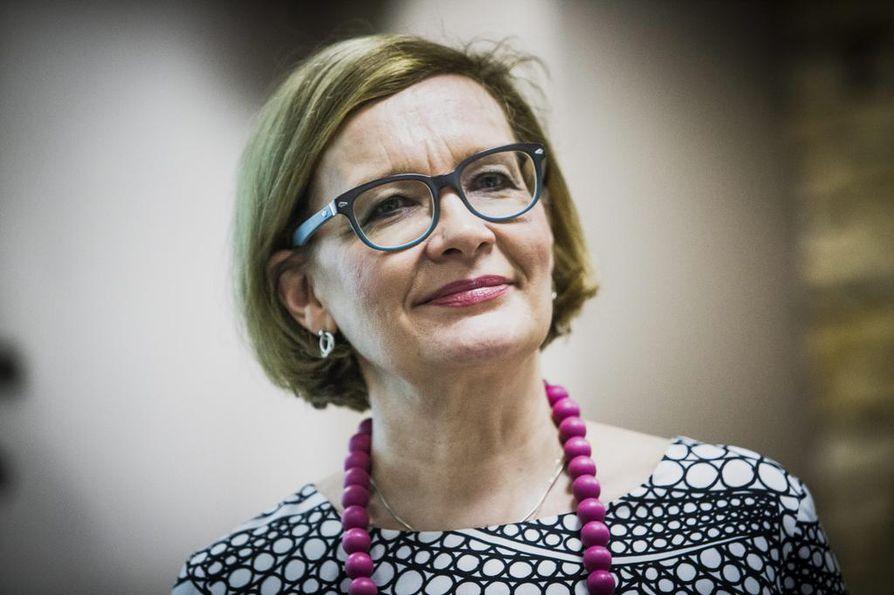 Sisäministeri Paula Risikko sai 4,9 prosenttia äänistä kuntavaaleissa Seinäjoella.
