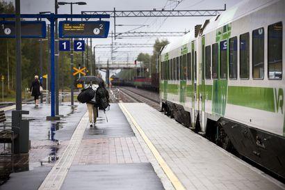 Kansanedustajien kanta junaliikenteeseen