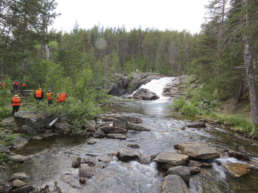 Lemmenjoen kansallispuisto Inarin ja Kittilän alueilla vaatii retkeilijältä jo hiukan erätaitoja.