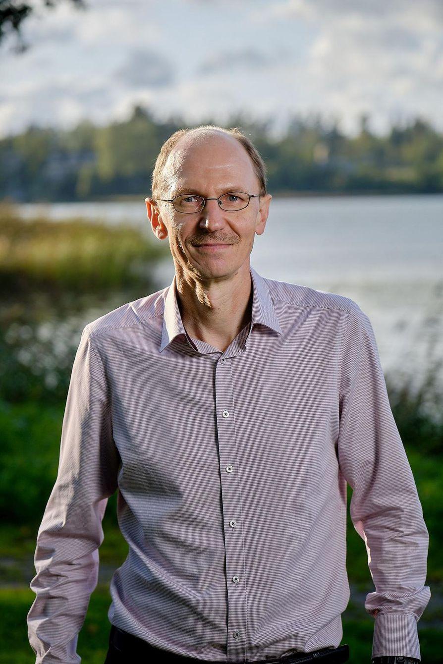 Tutkimusprofessori Jyrki Niemi arvioi syövänsä itse viikoittain 300–500 grammaa lihaa.