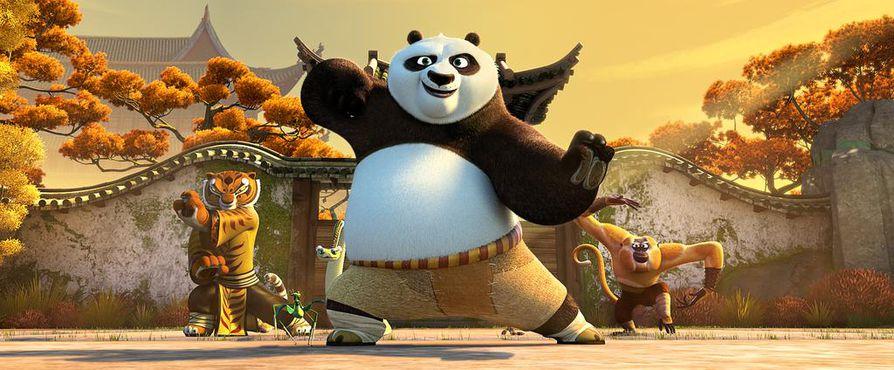 Po-karhulla on kova tehtävä: opettaa kylällinen kömpelöitä lajitovereitaan Kung Fu-ryhmäksi.