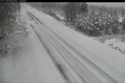 Ajokeli on tänään Lapissa ja Koillismaalla monin paikoin huono lumisateen vuoksi – Pohjois-Pohjanmaalla varoitetaan liukkaista teistä