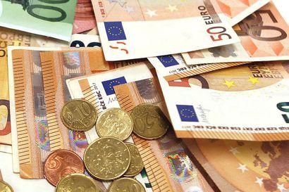 Käteisen käyttö on palannut lähes ennalleen – Lähimaksamisen suosio on noussut, ja moni vilauttaisi kassalla maksukorttia mielellään yli 50 euron ostorajan