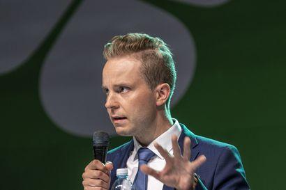 Keskustan varapuheenjohtajiksi Honkonen, Lohi ja Pakarinen – puoluesihteerinä jatkaa Riikka Pirkkalainen
