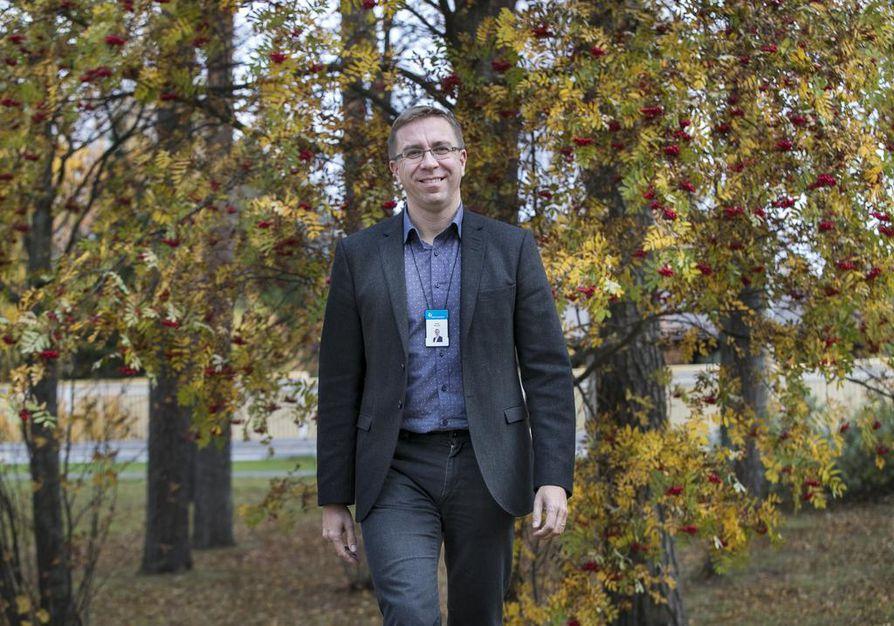 Pääjohtaja Antti Koivula vieraili Työterveyslaitoksen Oulun toimipisteessä järjestetyssä avoimien ovien päivässä keskiviikkona.