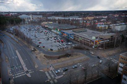 Yliopiston kampushanke viritti maratonkeskustelun Oulun kaupunginvaltuustossa – kokous venyi yli keskiyön, tuloveroprosenttia nostetaan puoli prosenttiyksikköä 20,5:een