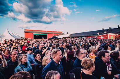 Kaksi yleisön suursuosikkia jo buukattu: Twin City Festival palaa Tornion keskustaan