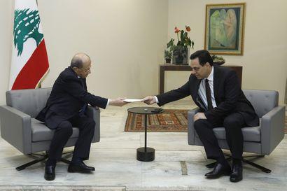 """Libanonissa ei ole vallankumousta, hallituksen ero on vain pieni askel – Muutosten tiellä seisoo vielä muun muassa """"kaksi kolmesta presidentistä"""""""