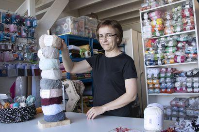 Käsityötarvikkeille on kovasti kysyntää – Ilona avasi Elävän Lankakorin Kempeleen Hakamaahan
