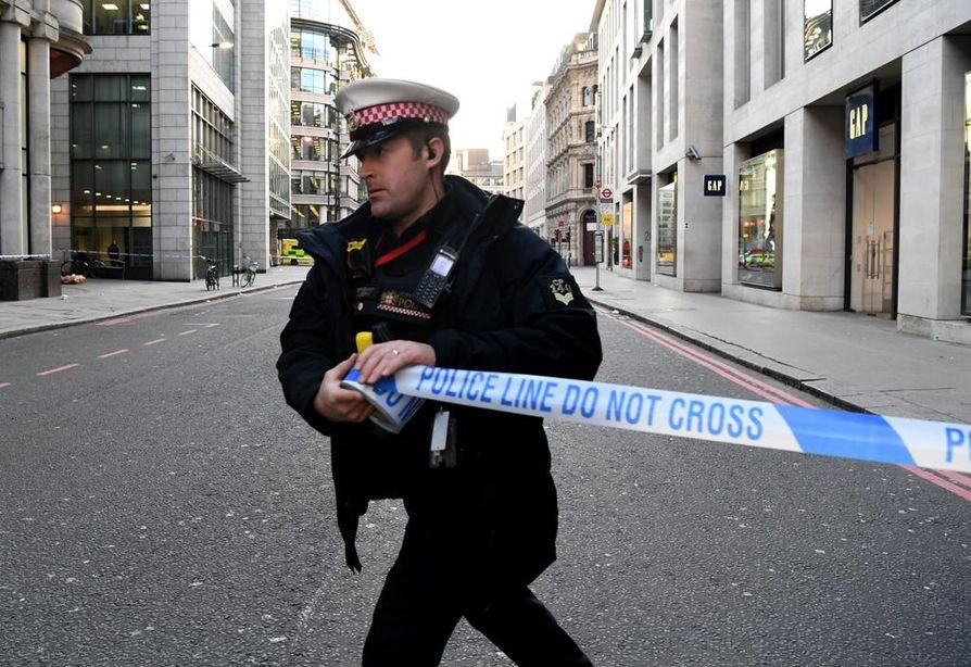 Poliisi eristi alueen välikohtauksen jälkeen.