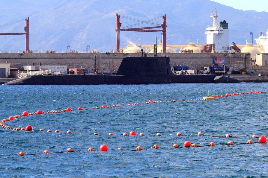 Gibraltarin vesialueilla ilmenee usein jännitteitä britti- ja espanjalaisalusten välillä. Britannian sukellusvene HMS Ambush pysähtyi Gibraltarilla rutiinikäynnillä 12. tammikuuta. Arkistokuva.