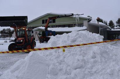 Posion lukiorakennuksen katon sortumisesta tehdyn tarkastusraportin mukaan: Liiallinen lumikuorma on aiheuttanut pääpalkin katkeamisen