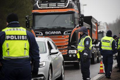 Poliisihallitus ohjeisti sulkusakotuksen oikein – Pelkkä tarkastuspisteiden sijoittelu ei olisi tehnyt sakottamisesta laillista