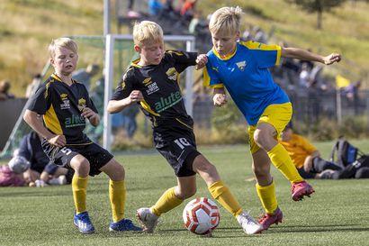 FC Ylivieska nappasi Kaleva Cupin pronssimitalit – katso kuvia pronssiottelusta