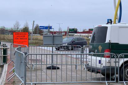 Ruotsi poistaa rajapoliisit Tornionlaaksosta - Norrbottenissa maan vakavin koronatilanne, jossa suositellaan välttämään kaikkea matkustamista
