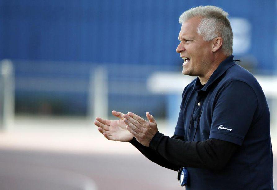 AC Oulun päävalmentaja Rauno Ojanen sanoo, joukkue taistelee kuudennesta sijasta.