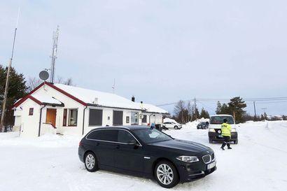 """""""Sikspäkin takia ei kannata ottaa kahden viikon karanteenia"""" – Norjan poliisi valvoo rajalla, suomalaiselta kyläkauppiaalta katosi 90 prosenttia asiakkaista"""