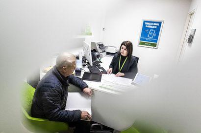 Pankkiasiat hoidetaan yhä useammin verkossa, mutta henkilökohtaista palvelua arvostetaan edelleen - Lapissa konttoreita eniten Pohjolan Osuuspankilla