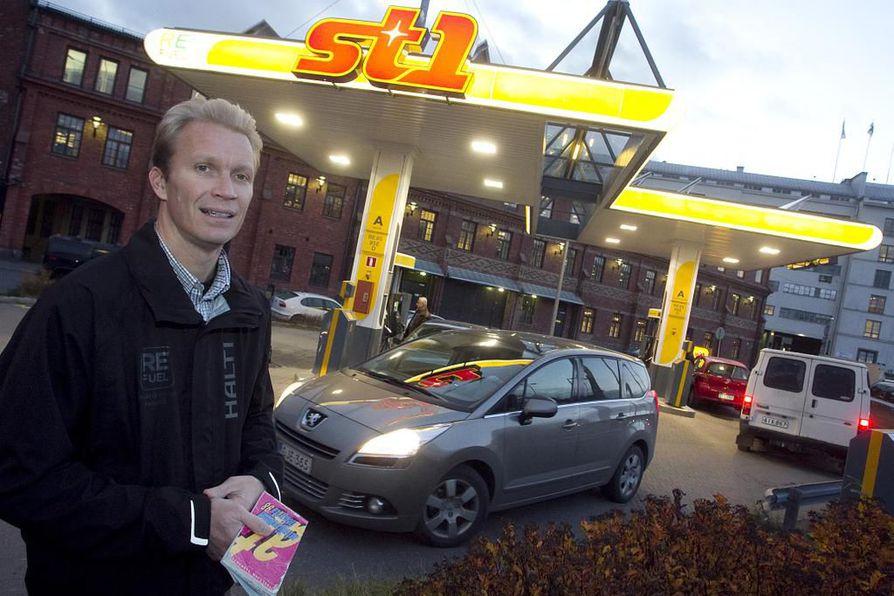 St1:n hallituksen puheenjohtajaa Mika Anttonen ei näe liikenneverkkoyhtiössä hyötyjä.