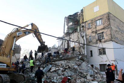 Albanian maanjäristyksessä menehtyi kuusi: Isoäiti kuoli mutta pelasti lapsenlapsensa, mies kuoli hypättyään talon ikkunasta rakennuksen sortuessa