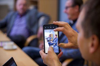 """Raahen seurakunta siirtää kirkonkirjojen pidon Ouluun - """"Muutoksella ei kajota seurakunnan itsenäisyyteen eikä käytännön toimintaan"""""""