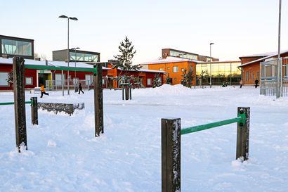 Pudasjärven Hirsikampuksen koulun 7C-luokka etäopetukseen korona-altistusten takia – Valtaosa Pudasjärven uusista tartunnoista on tullut esille karanteenin sisällä