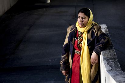 Koulutetut naiset joutuivat jäämään kotiin, kun Taliban tuli Afganistaniin – Jawida Ahmadi opetti tyttöjä salaa kotonaan