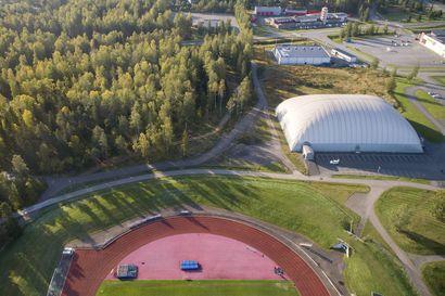 Raahen palloiluhallille halutaan 60 metriä lisää pituutta