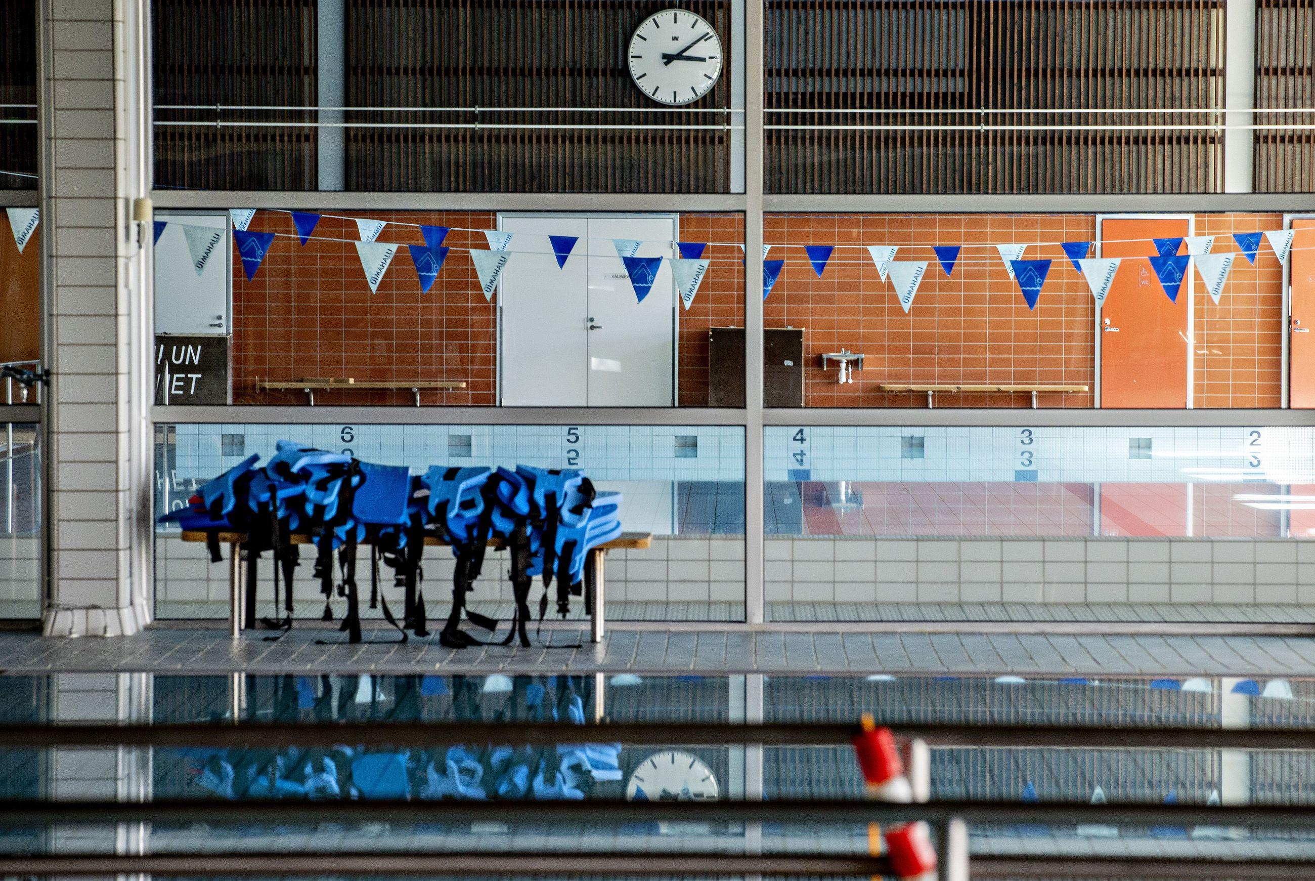 Raksilan uimahallin kunnostamista selvittänyt ryhmä totesi, että uuden uimahallin rakentaminen olisi parempi ratkaisu kuin vanhan peruskorjaaminen. Uudessa uimahallissa voitaisiin painottaa kestävämpiä ja energiatehokkaampia ratkaisuja. Kuvituskuva.