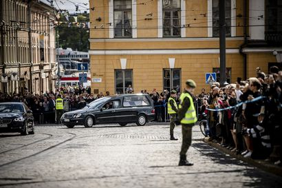 Poliisi otti haltuun kaksi drone-lennokkia Koiviston hautajaisten aikaan