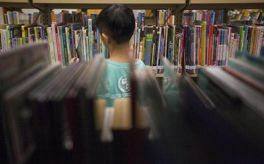 Sopivan kirjan löytäminen on lukuinnostuksen kannalta tärkeää.