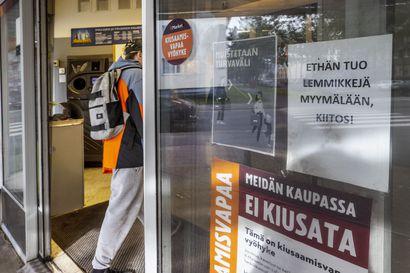 Laki antaa Mustille oikeuden tulla mukaan ruokakauppaan – mitä mieltä ovat Oulun seudun kauppiaat ja koiraihmiset?