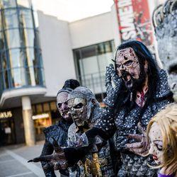 """Kun korona keskeytti kiertueen, Lordi teki historiaa ja siinä sivussa vähän diskoa: """"Vastaan änkyröinti on suurin muusani"""""""