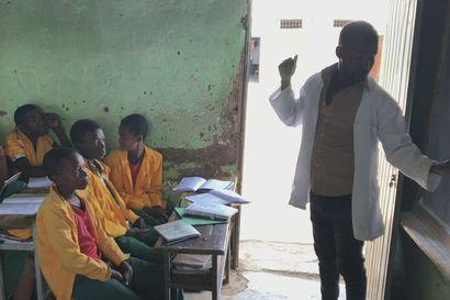 Matematiikan opetusta Sikelen koulussa Arba Minchissä Etiopiassa.