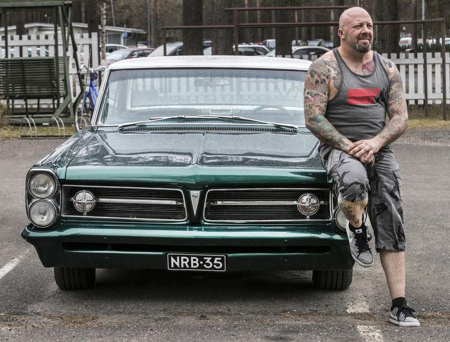 Jussi Näyhä pitää erityisesti japanilaisesta tyylistä tatuoinneistaan. Kun tyylilaji jatkuu samana, on tatuointeja helppo jatkaa kuvasta toiseen.