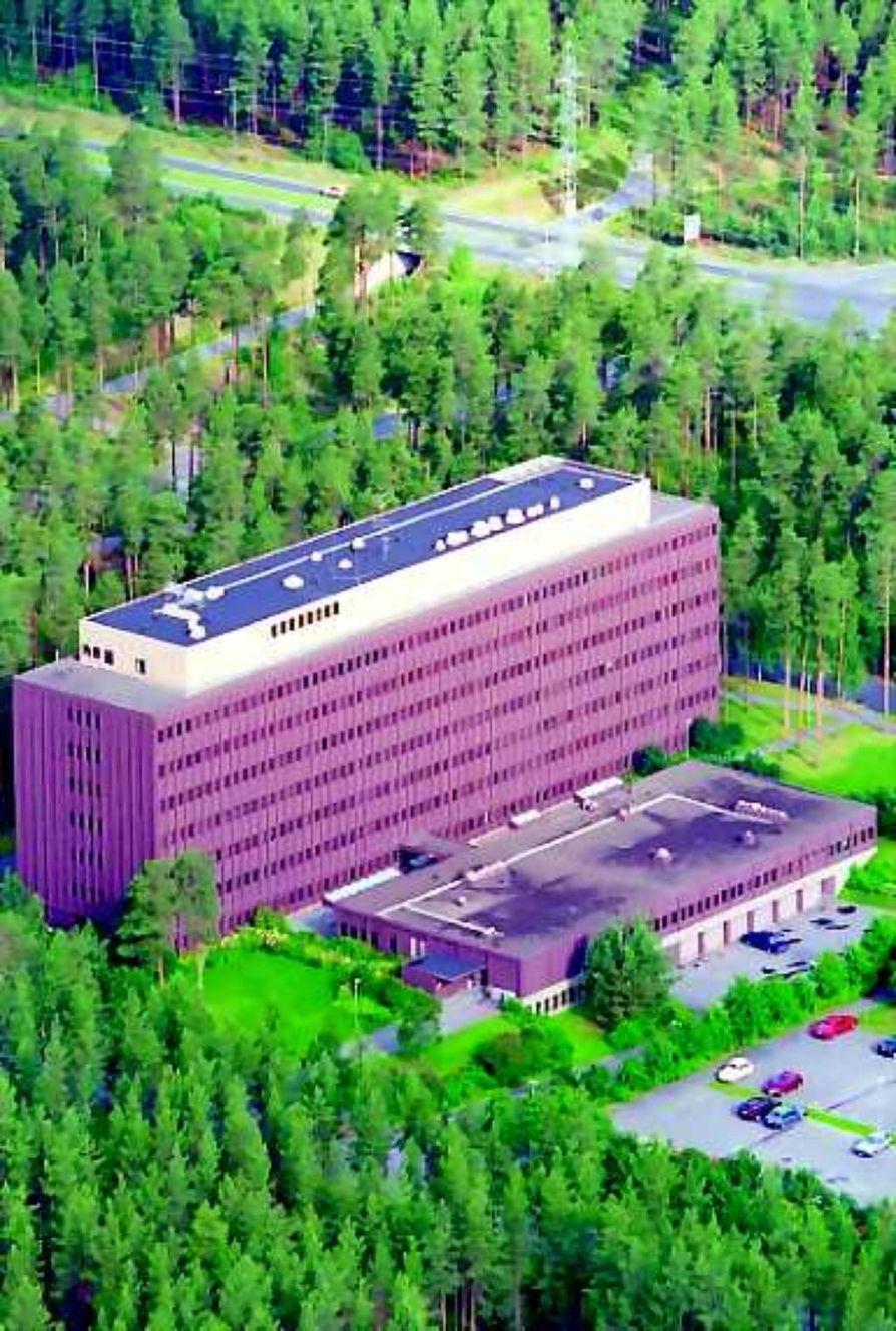 Talo jää. Rautaruukista jää Ouluun muistoksi pääkonttorirakennus Kaukovainiolla, jonka yhtiö jätti noin seitsemän vuotta sitten.
