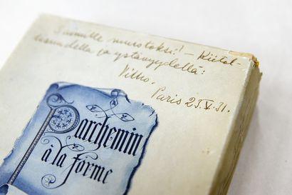 """""""Saimille muistoksi!"""" – Oulun taidemuseon amanuenssi Tarja Kekäläinen sai yllättäen käsiinsä vanhan pahvirasian, joka sisälsi tutkijallekin uutta tietoa"""