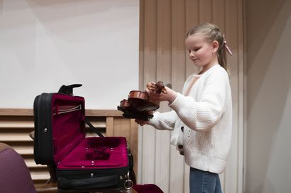 """RSO:n solistina soittaminen oli 10-vuotiaan kempeleläisen Lilja Haataisen haave jo pienenä ja nyt se toteutuu – """"Ei jännitä melkein ollenkaan"""""""