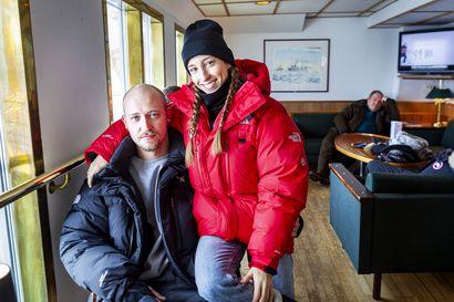 Viimeiset ulkomaalaiset turistit purjehtivat vielä Perämerellä, kun Suomi alkoi sulkea rajojaan – Kemin Lumilinnan ensi kausikin on uhattuna, Lapissa suljetaan jo hotelleja