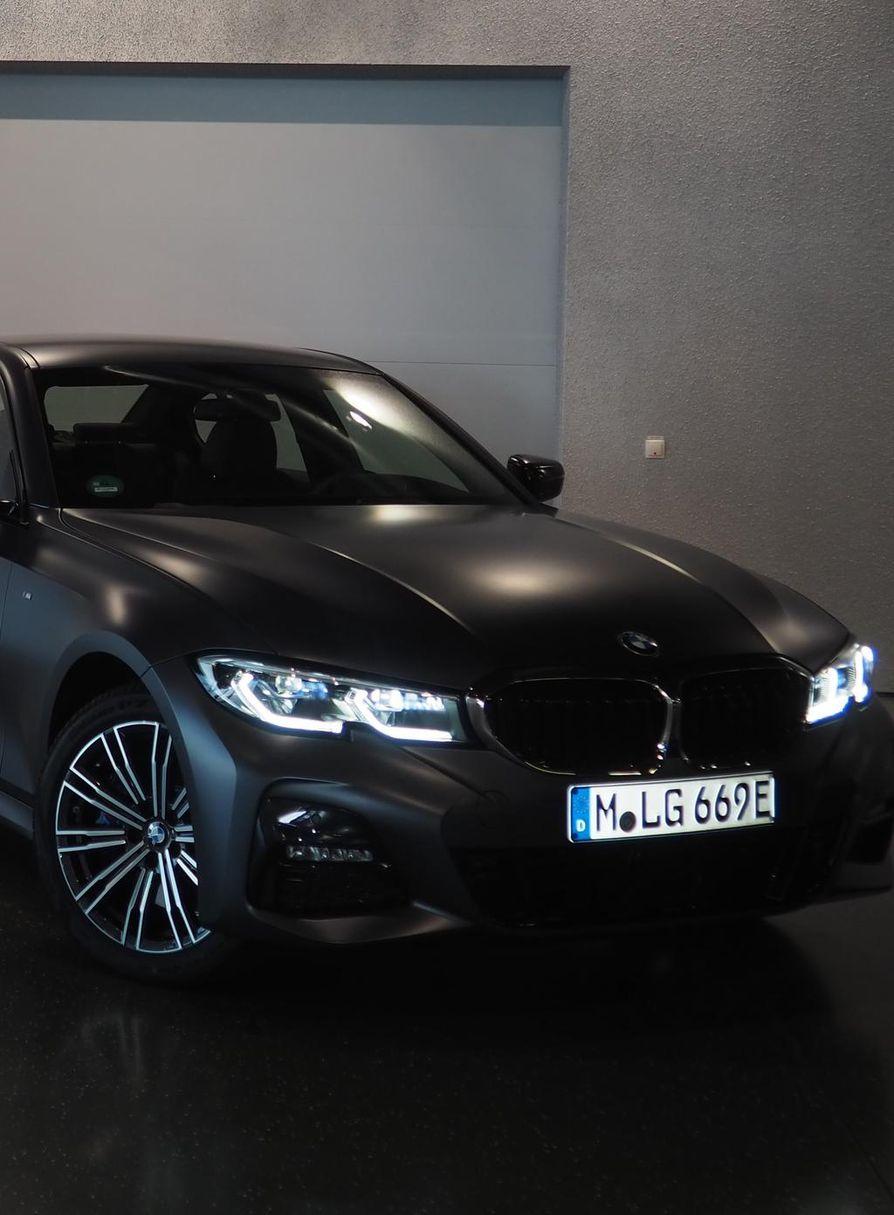 Uuden auton arvo voi laskea sadoilla euroilla kuukaudessa. Harva osaa laskea sen käyttökuluksi.
