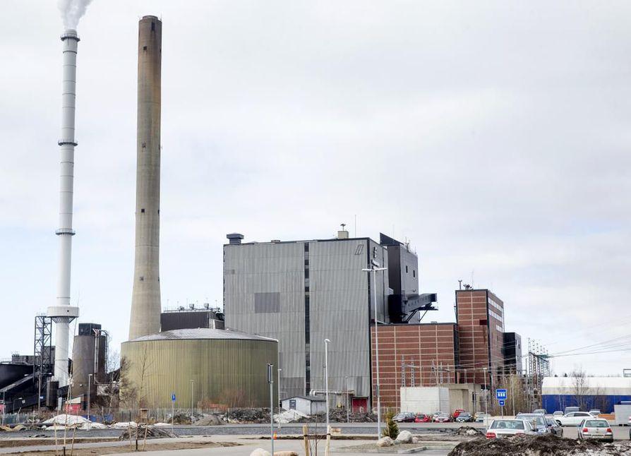 Toppilan voimalaitoksen satojen litrojen öljyvuoto saatu hallintaan - syynä paineen vuoksi ...