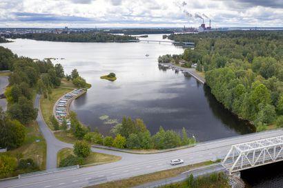Oulun taloudenpito on nyt kiikkulaudalla tasapainoilua – samaan aikaan tarvitaan sekä säästöpäätöksiä ja rakenteisiin puuttumista että elinvoimaa lisääviä ratkaisuja.