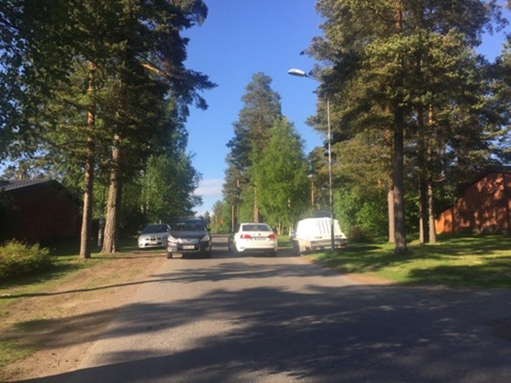 Oulun kaupunki: Virheellinen pysäköinti tärvelee nurmikot ja aiheuttaa ison laskun | Oulu ...