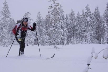Maailmanmestarit selvillä – Jani Ikonen ja Laskuvarjojääkärikilta kovimmat umpihangen halkojat