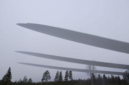 Piiparinmäen tuulivoimalan siipeä oltiin vaihtamassa valmistusvirheen vuoksi – siiven putoamisen syyn arvioidaan selviävän lähipäivinä