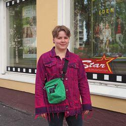 """Leffavieras: oululaiselle Ada Vesenterälle Eden toi vahvasti omat rippikouluajat mieleen – """"Minusta oli hyvä, että annettiin esimerkki, että kannattaa haastaa pappia"""""""